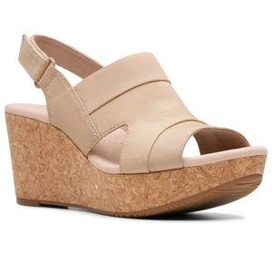 🆕Clarks Annadel Ivory platform wedge sandals